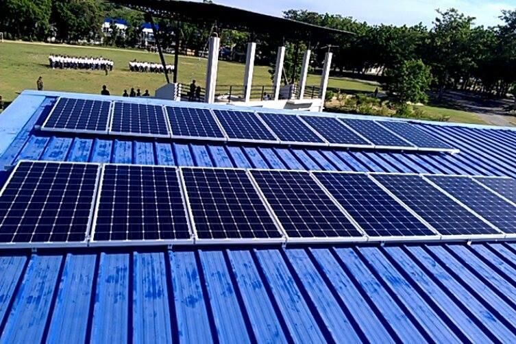 solar panels for lighting oval