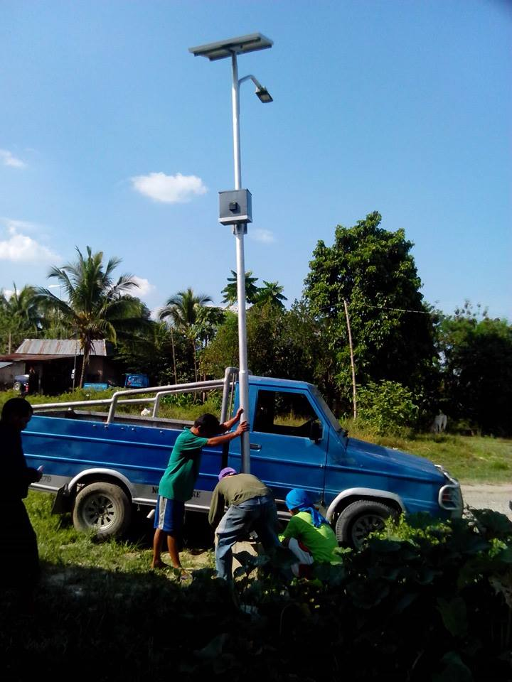 solar street light at sultan gudgerat